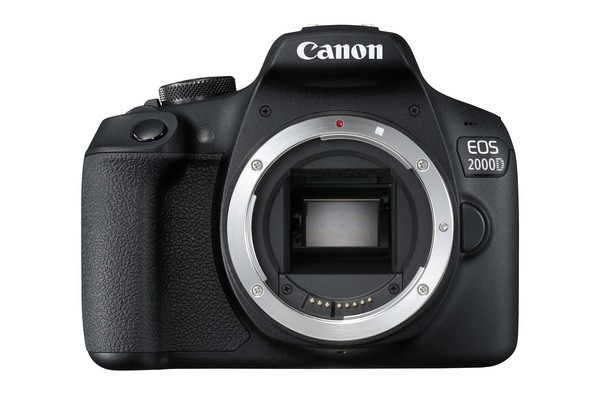 Canon EOS 2000D DSLR + 18-135mm IS STM