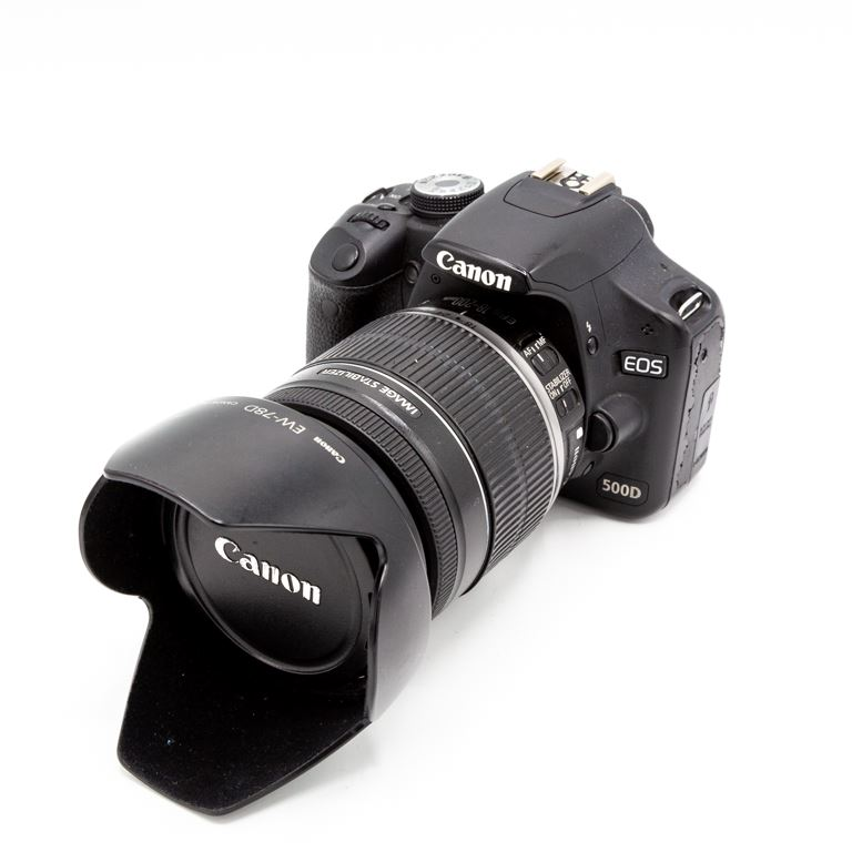 Canon EOS 500D + Canon EF-S 18-200mm (occasion 1606)